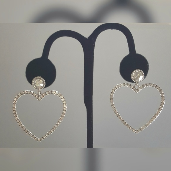 Jewelry - 3 for $15 Pretty Silver Heart  Earrings